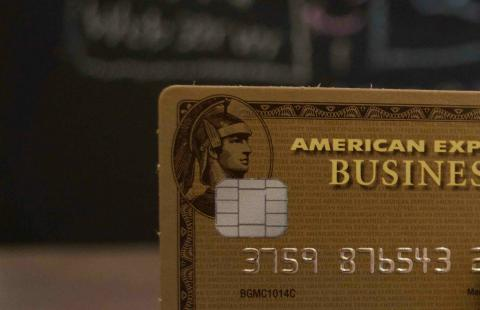 Is it Better to Carry a Balance on My Credit Cards or Pay Them Off Each Month?